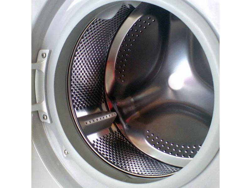 自用海尔滚筒洗衣机,5公斤,无任何故障,8成新,无拆修,自提http