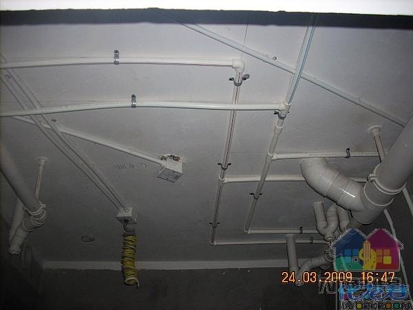 1原顶部接线盒如分线接出,需使用接线盒与线管引出,如不使用应用盖板