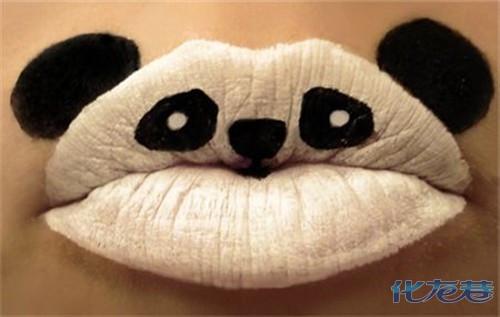 把可爱的动物图案化妆到嘴唇上