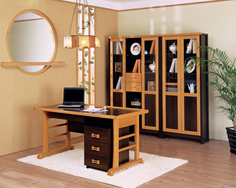 发几张书房用的电脑桌,书柜,请大家猜猜我家用得哪款电脑桌,三款之中