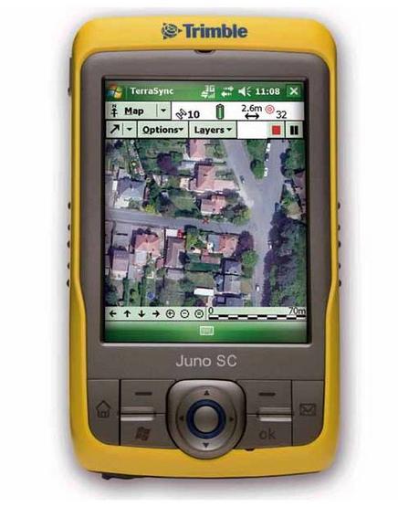 天宝Juno SC,内置全向GPS天线,集成3.5G通讯模块,支持通话,支持实时网络访问,集成数码相机功能